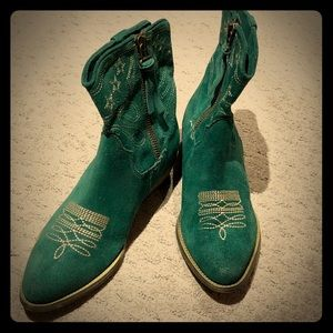NWOT Green Suede Embroidered Boots - Size 9